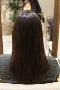 髪質改善ストレート&カラーエステを施術した後の状態