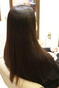 髪質改善ストレートエステ(縮毛矯正)で髪質改善した後の状態|金町の髪質改善専門店オーファ