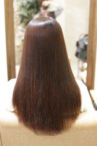 髪質改善ストレート(縮毛矯正)の施術後の状態 亀有・松戸・綾瀬・金町の髪質改善専門店オーファ
