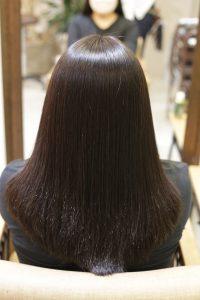 髪質改善(縮毛矯正)ストレートをかけた後の状態 亀有・松戸・綾瀬・金町の髪質改善専門店オーファ