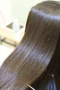 髪質改善・高難易度縮毛矯正をかけた後の状態 松戸・金町・亀有・綾瀬の髪質改善専門店オーファ